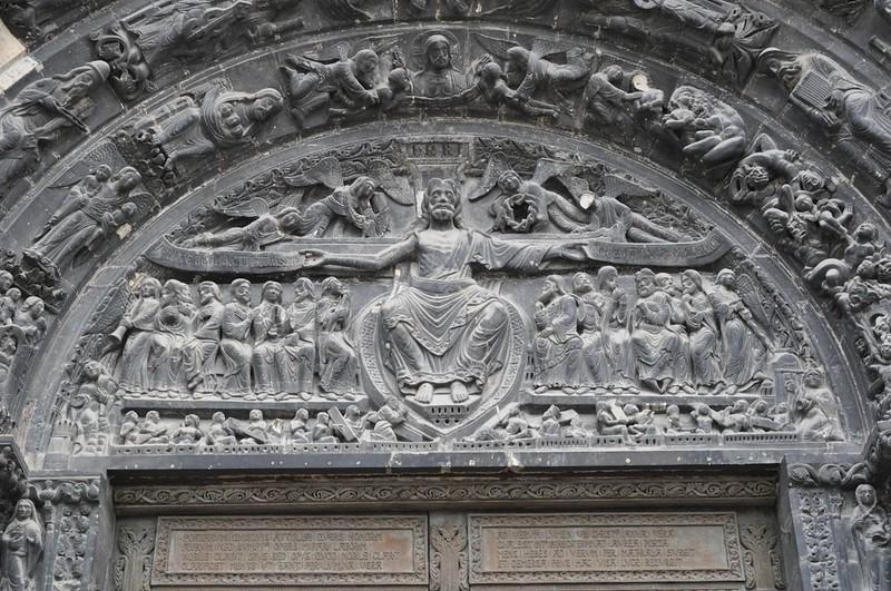 004 Тимпан центрального портала Страшный суд XII в