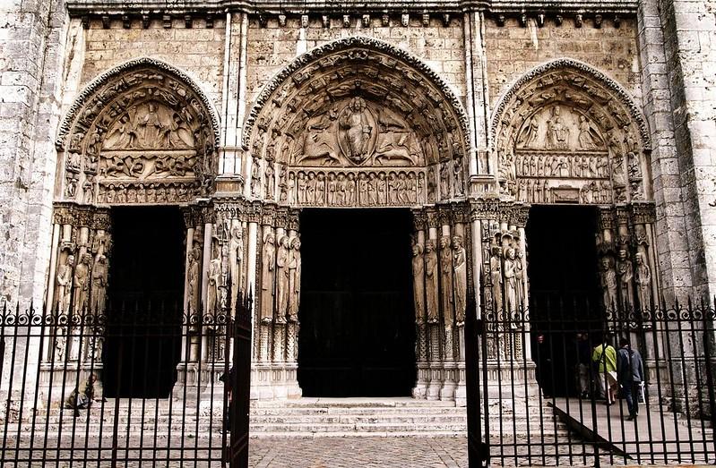 040 Собор Шартра. Западные порталы 1145-1150