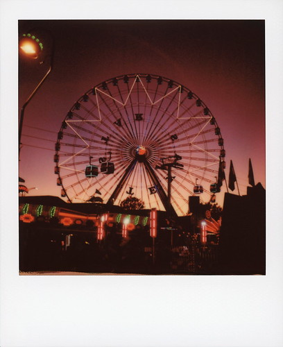 polaroid originals color 600 instant film slr680 roidweek roid week polaroidweek fall autumn october 2019 texas star twilight statefairoftexas fairpark dallas tx ferris wheel night nocturnal sunset lights skyway gondola flag silhouette fairground polacon2019 polacon4 polacon 092719 day6 toby hancock photography