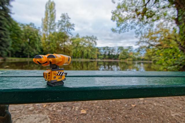 Wall-E devant le lac du réservoir