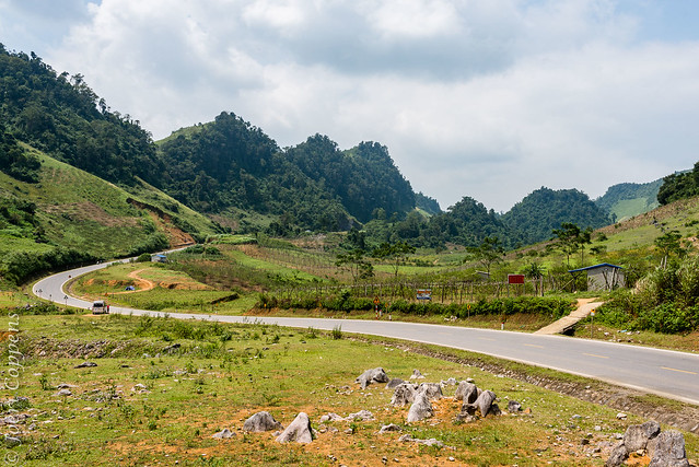The Winding Road to Moc Chau