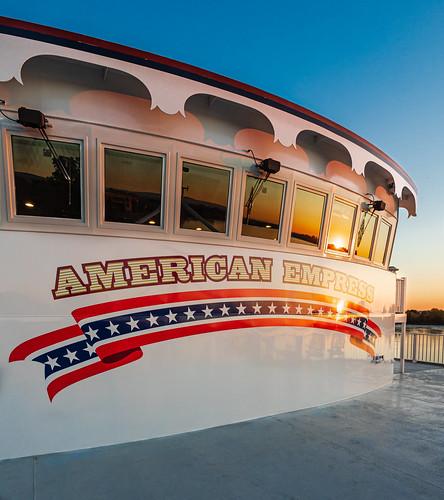 americanempress richland washington unitedstatesofamerica riverboat sunrise columbiariver pilothouse
