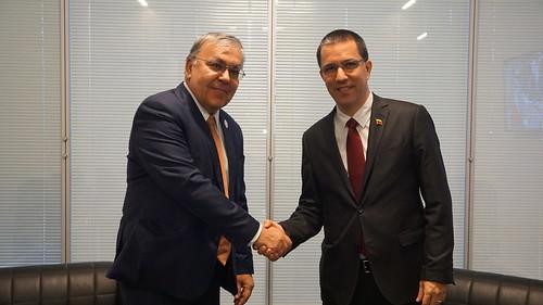 Canciller Jorge Arreaza se reúne con Sergei Vershinin, Viceministro de Relaciones Exteriores de la Federación de Rusia en el marco de la Reunión de Jefes de Estado y de Gobierno de MNOAL