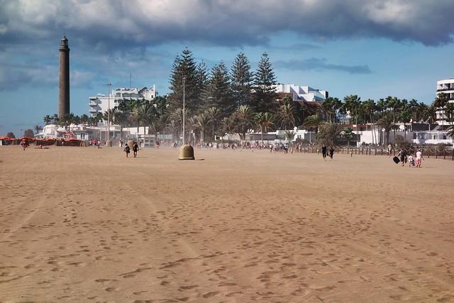 Maspalomas o'r traeth / Maspalomas desde la playa
