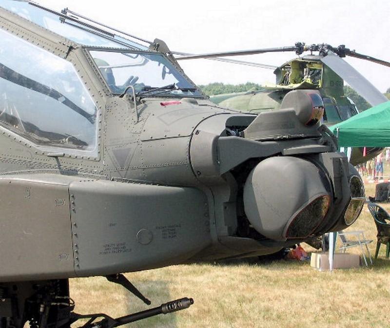 AH-64 Apache 4