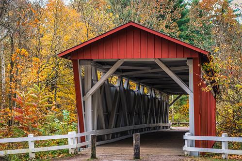 cleveland cuyahogavalleynationalpark everettroadcoveredbridge nationalparkservice ohio summitcounty autumn coveredbridge landscape fallfoliage