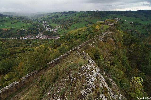 vue sur le Fort belin des crêtes rocheuses - Jura