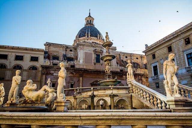 Fontana Pretoria, Palermo