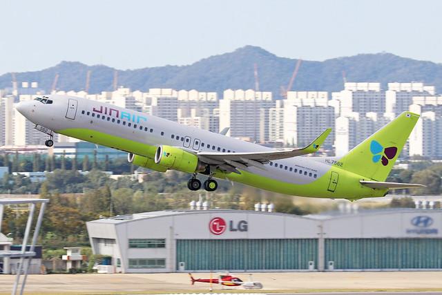 HL7562  -  Boeing 737-8B5 (WL)  -  Jin Air  -  GMP/RKSS 6/10/19