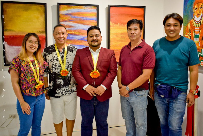 _Exhibiting Artists with Jellicleblog creator ORLY AGAWIN, SARILING SINING Art Exhibit (image 01)