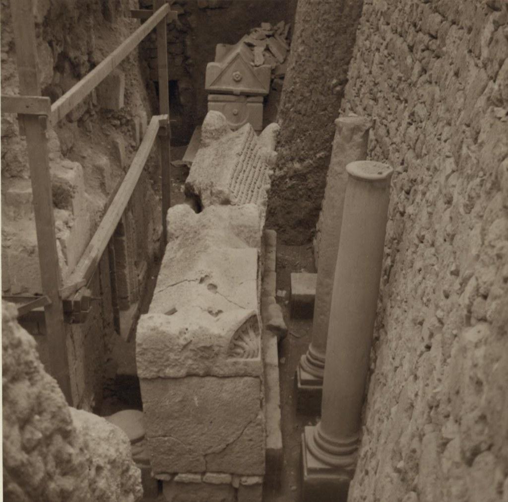 05. Самария. Недавно раскопанное римское кладбище