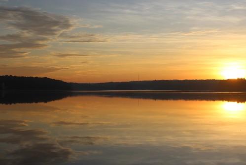sunrise reflections lakecrabtreecountypark bythedawnsearlylight
