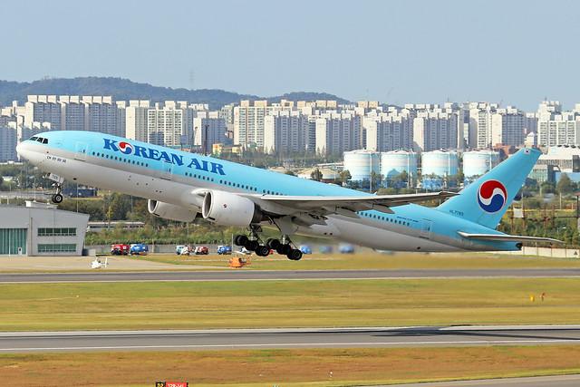 HL7765  -  Boeing 777-2B5(ER)  -  Korean Air  -  GMP/RKSS 6/10/19