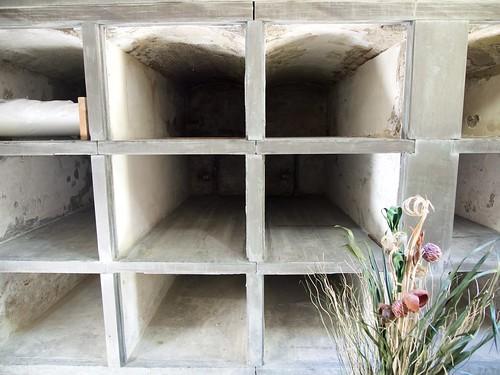 lowell mausoleumtour grave graveyard lowellcemetery receivingtomb massachusetts cemetery