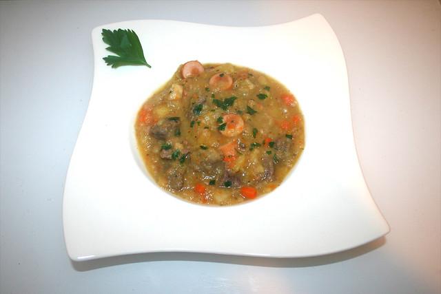 69 - Berlin potato soup with beef & sausages - Served / Berliner Kartoffelsuppe mit Rind & Würstchen - Serviert