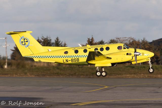 LN-BSB Beech King Air 200 Scandinavian Air Ambulance Ålesund airport Vigra 14.10-19
