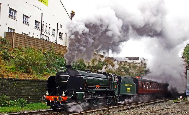 'Repton' Leaves Bury North Tunnel