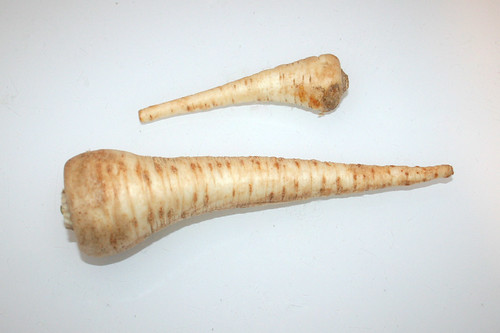 10 - Zutat Petersilienwurz / Ingredient parsley root
