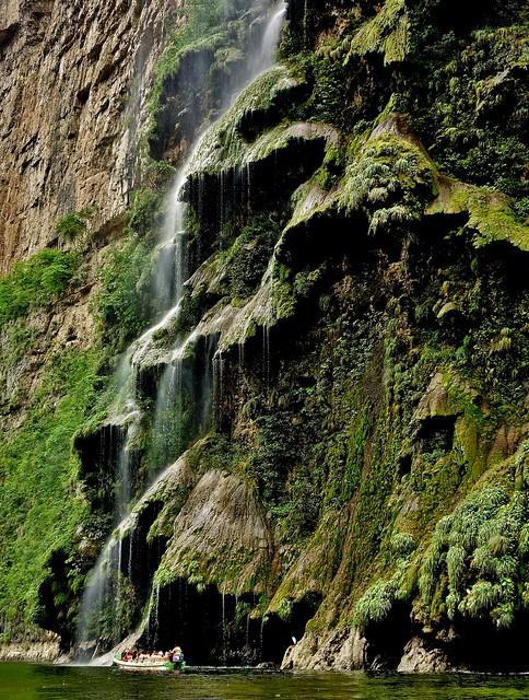 MEXICO, Yukatan , Chiapas ,  Sumidero Canyon, Steile Felsen und Wasserfälle, 19347/12029