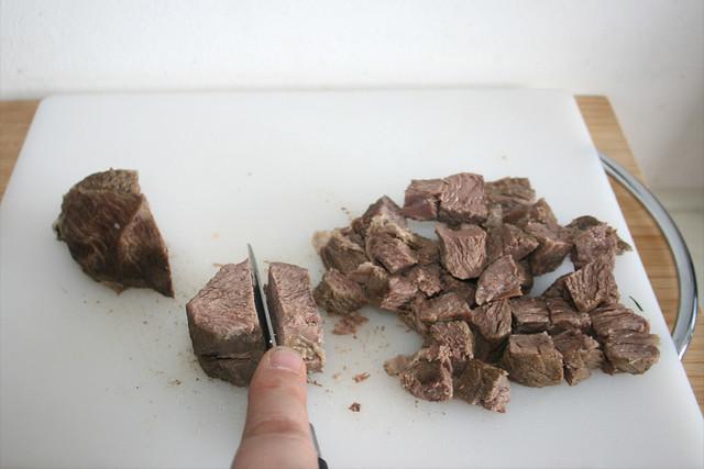 57 - Rindfleisch würfeln / Dice beef