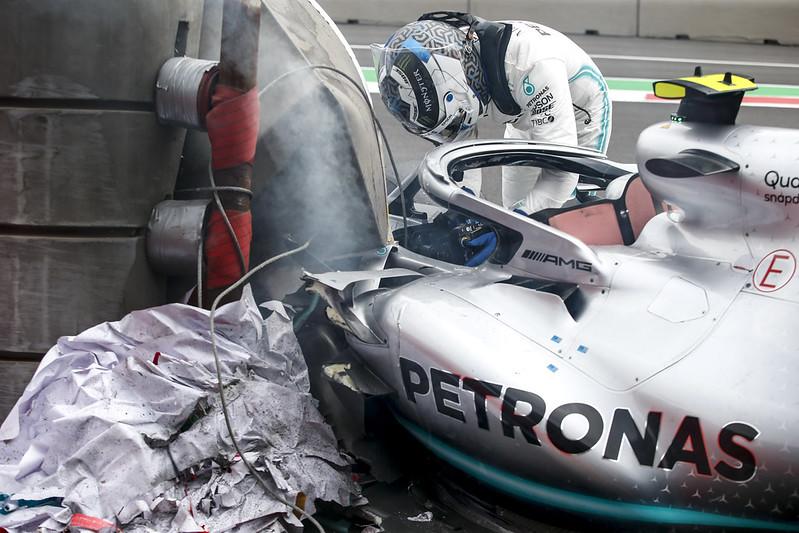 Valtteri Bottas在排位賽撞車。(達志影像)