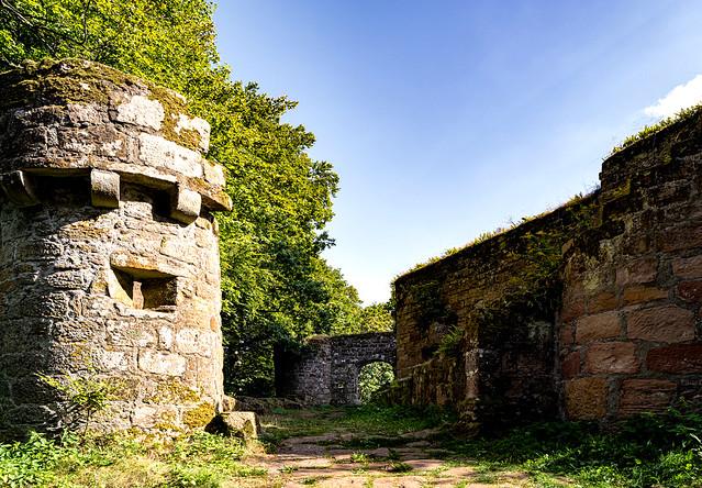 Burg Gräfenstein - Toranlage - Maingate - Pfälzerwald