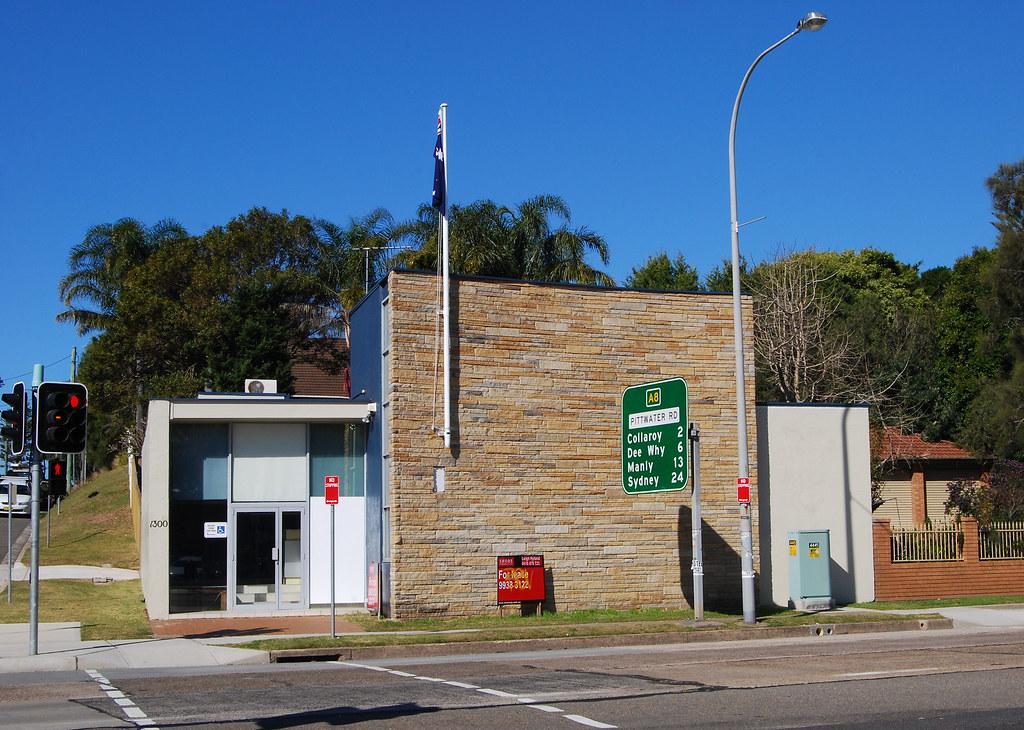 Building, Narrabeen, Sydney, NSW.