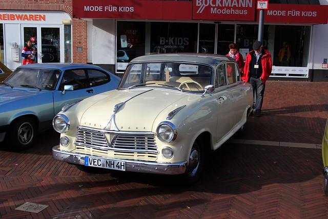 1956 Borgward Hansa 2400 Pullmann          Meppen Windhorstplatz 27.10.2019