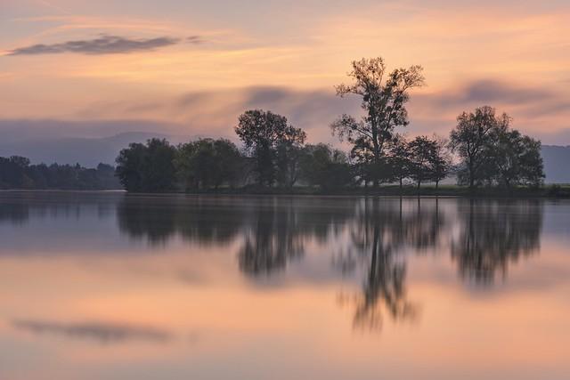 *Ein neuer Morgen am Fluß*