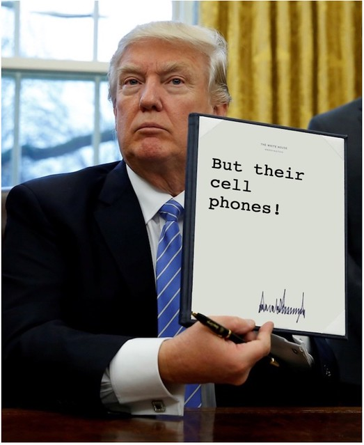 Trump_cellphones