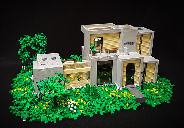 Artsand House MOC. Front garden.