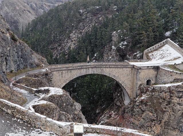 Le pont du diable sous la neige
