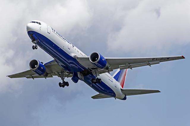 Transaero 767-300