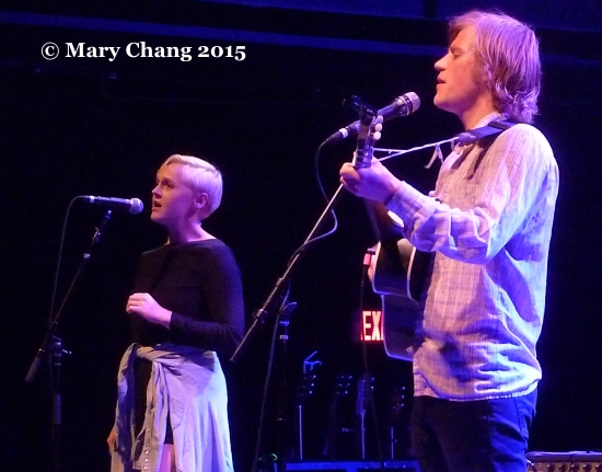 Laura Marling and Johnny Flynn duetting at 9:30 Club, Washington 2015 1