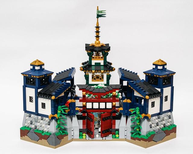 Ninjago Castle - Front