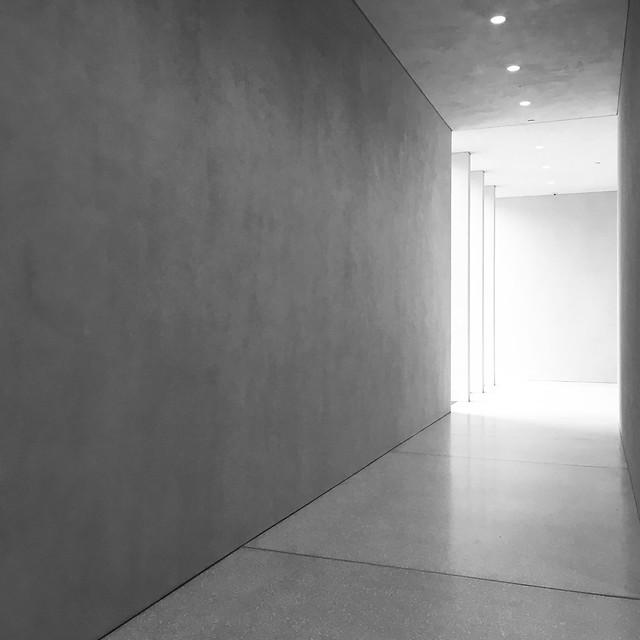 La lumière au bout du couloir...