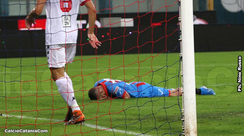 Mazzarrani si dispera dopo il gol sbagliato