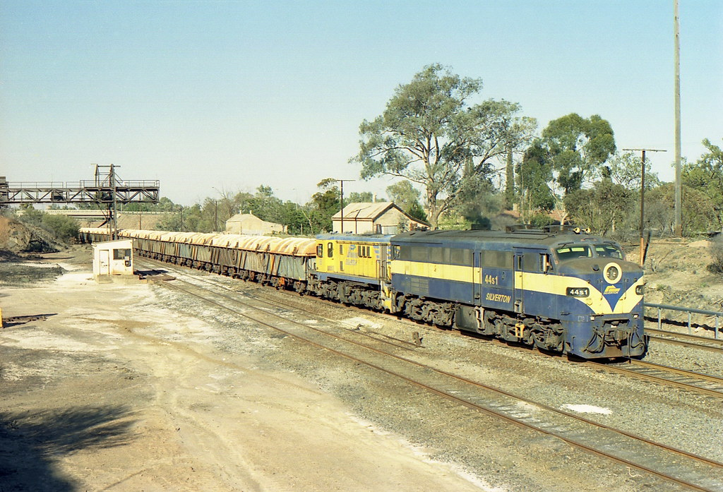 Sunday Ore Shunt by Justin Cheary
