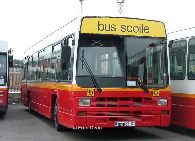 Bus Eireann LS31 (89D52197).