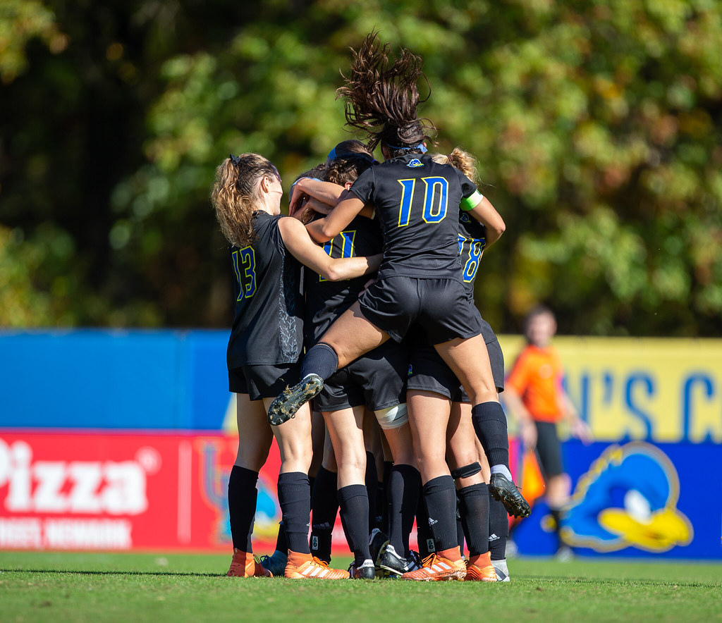Women's soccer clinches second seed in CAA, will host semifinals after shutout wins over Elon, overtime thriller against UNCW