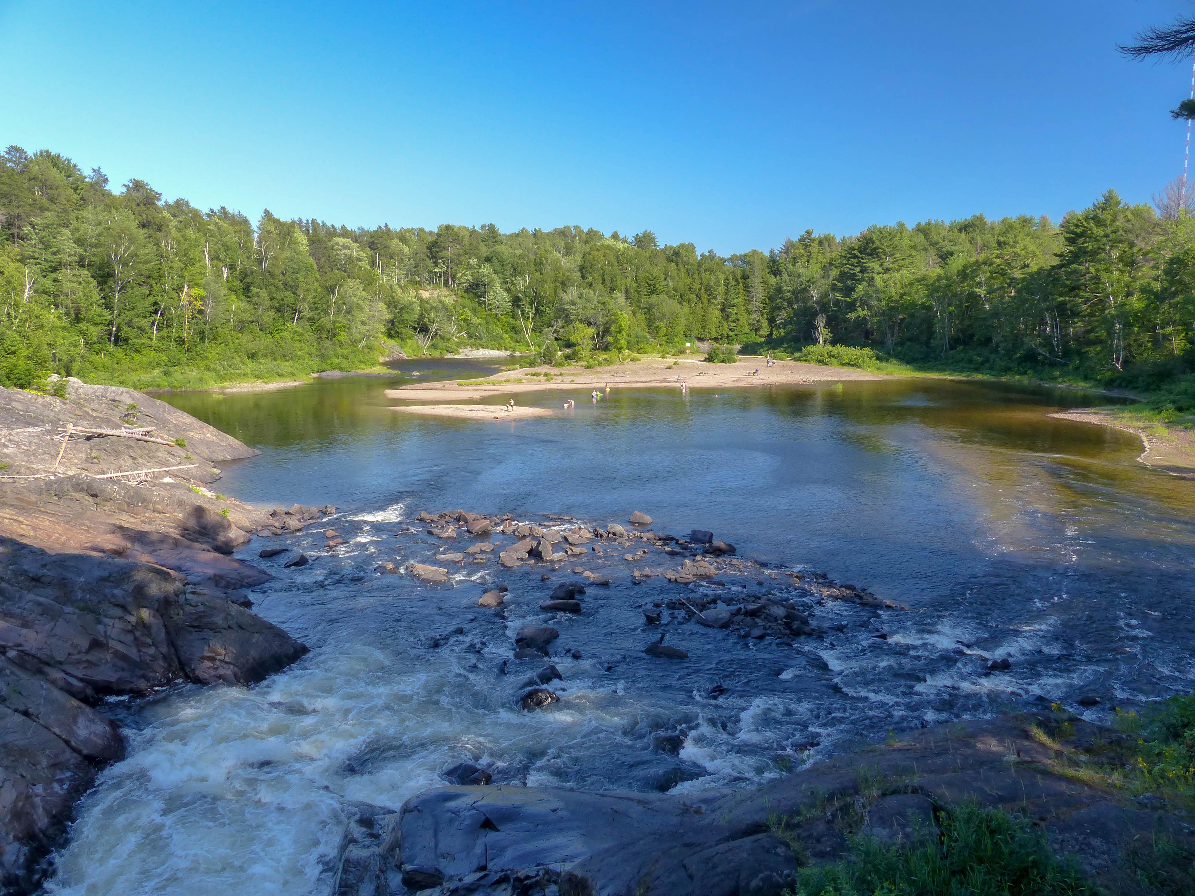 Chutes Provincial Park - Aux Sables River