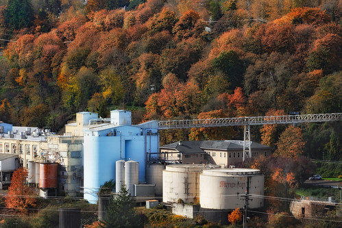 ian sane images willamettefallspapercompany west linn oregon oregoncity industrial photography landscape autumn colors grit canon eos 5ds r camera ef100400mm f4556l is usm lens
