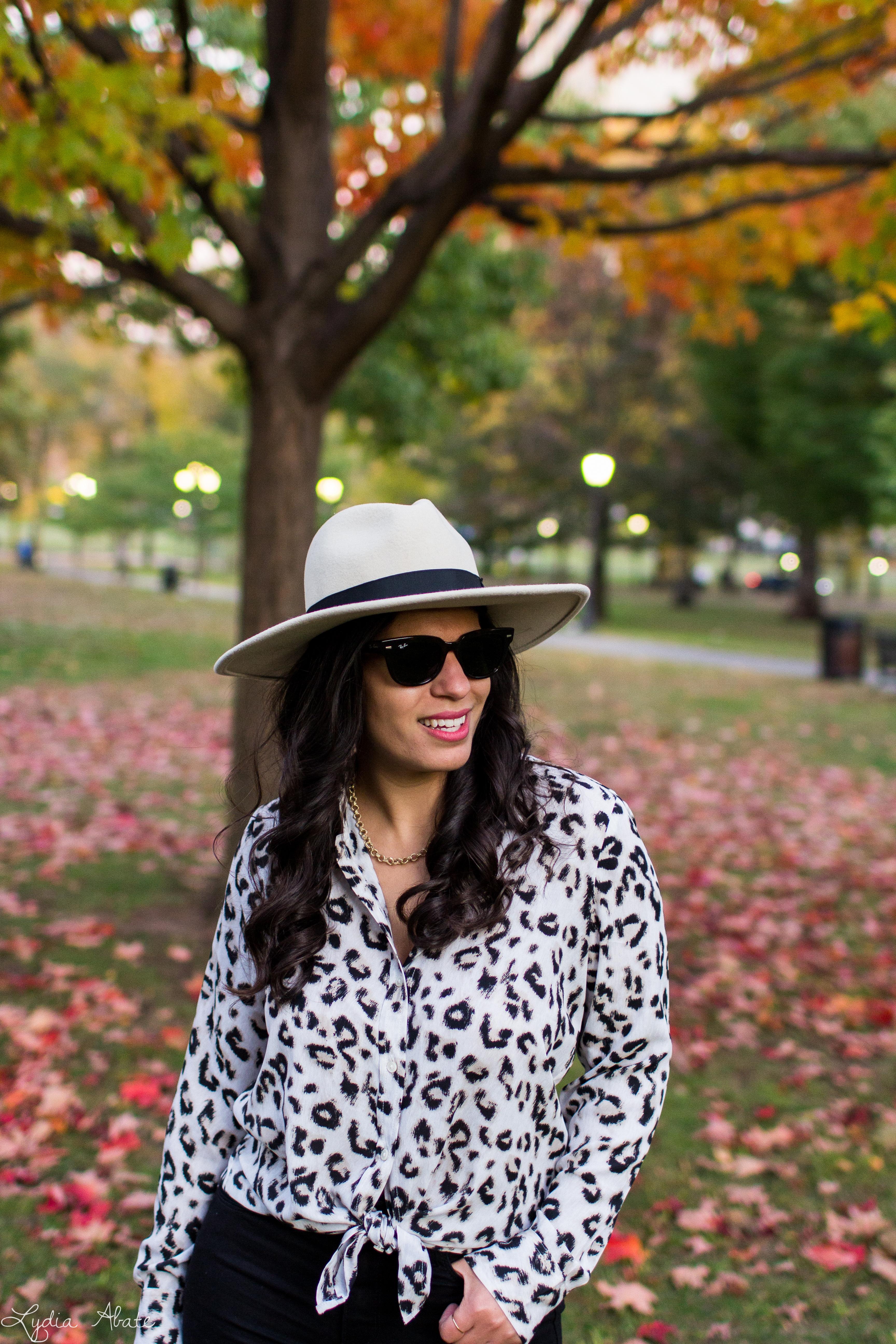 leopard blouse, black jeans, wide brim felt fedora, danse lente bag-11.jpg