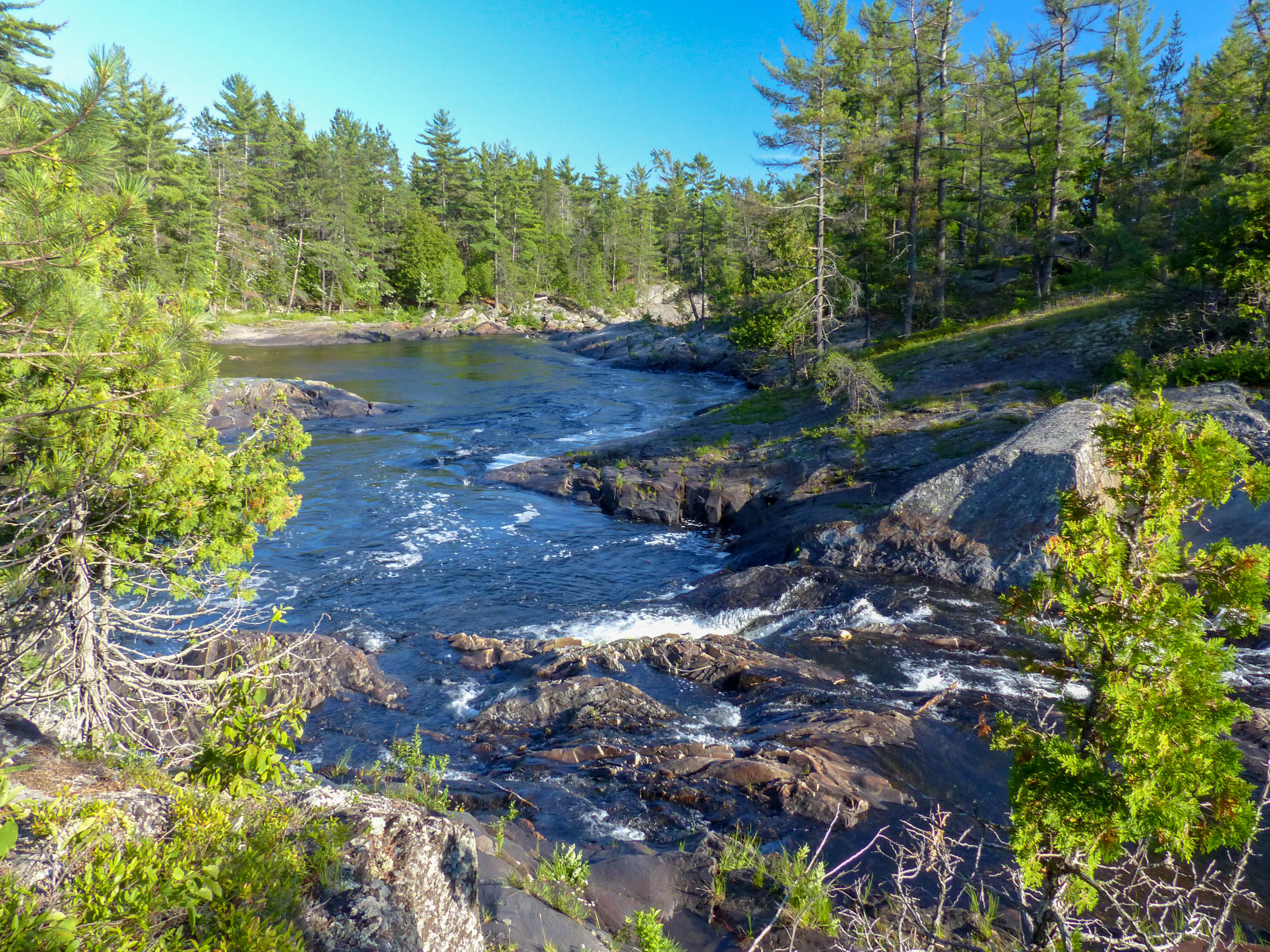 Chutes Provincial Park river