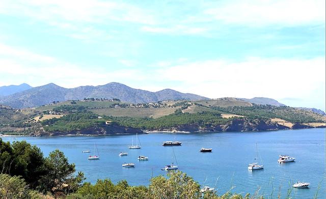 A view of Spain's seashore! Beautiful! La mer Méditerrannée!
