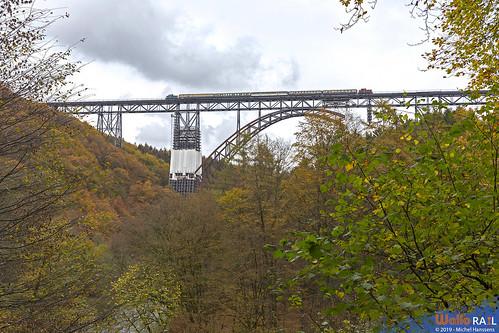 260 588 , BBFV + 261 671 , AVOLL . DPE 83488 . Solingen Schaberg (Müngstener Brücke) 27.10.19.