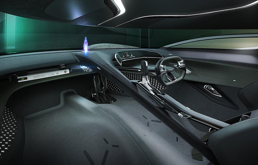 Jaguar_Vision_Gran_Turismo_Coupé_Interior_25.10.19_001