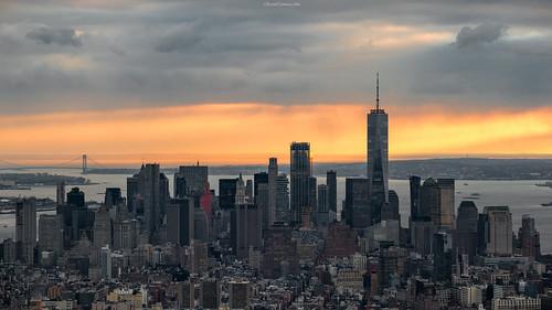 newyork manhattan cityscape sunset buildings skyscrapers rascacielos lights shadows lighting cielo sky color nubes clouds nikon d850 ricardocarmonafdez ricardojcf