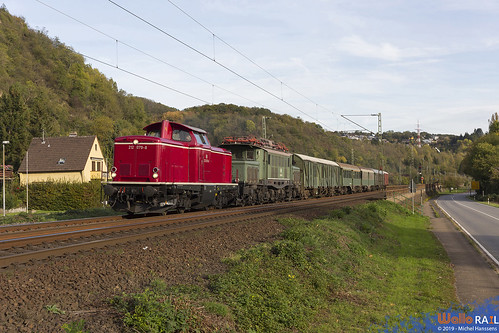 212 079 + 194 158 , Museumseisenbahn Hamm . 95505 . Erpel . 26.10.18.