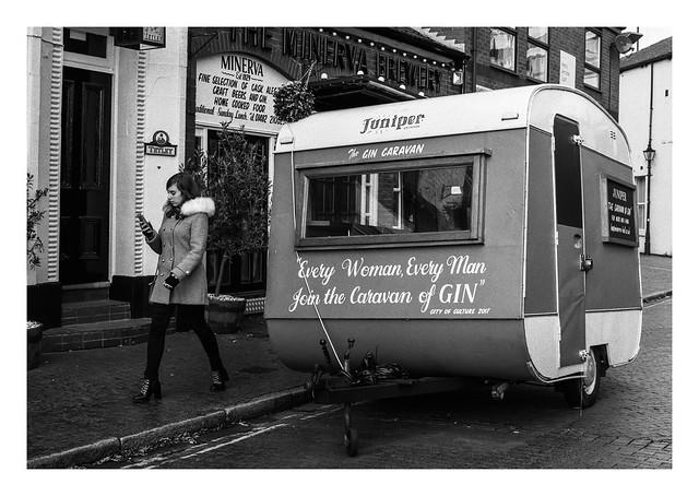FILM - Caravan of gin